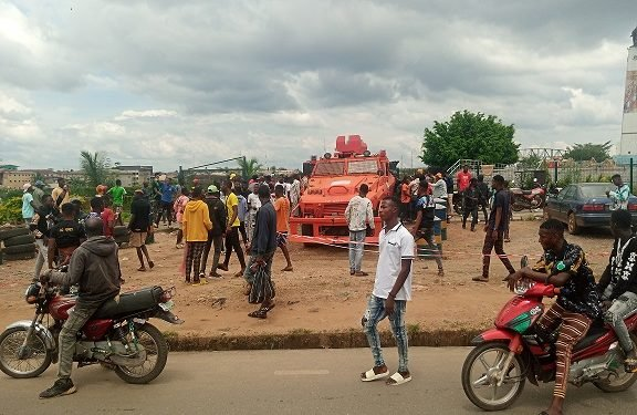 BREAKING: #EndSARS protests turn violent in Osun, Abuja