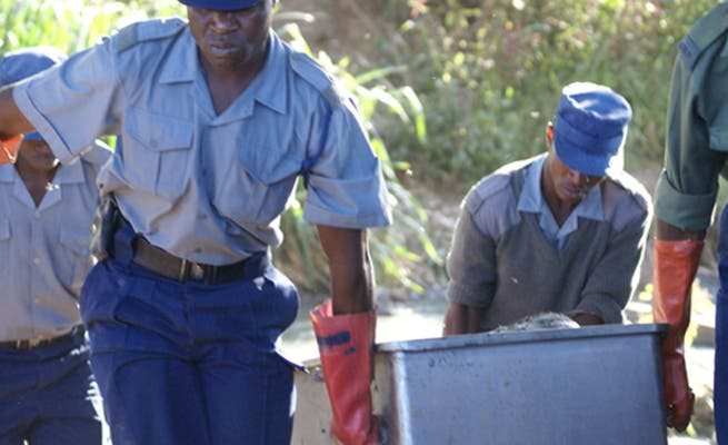 Gweru Man Kills Wife, Leaves 6-Months-Old Baby Suckling And Cuddling The Corpse