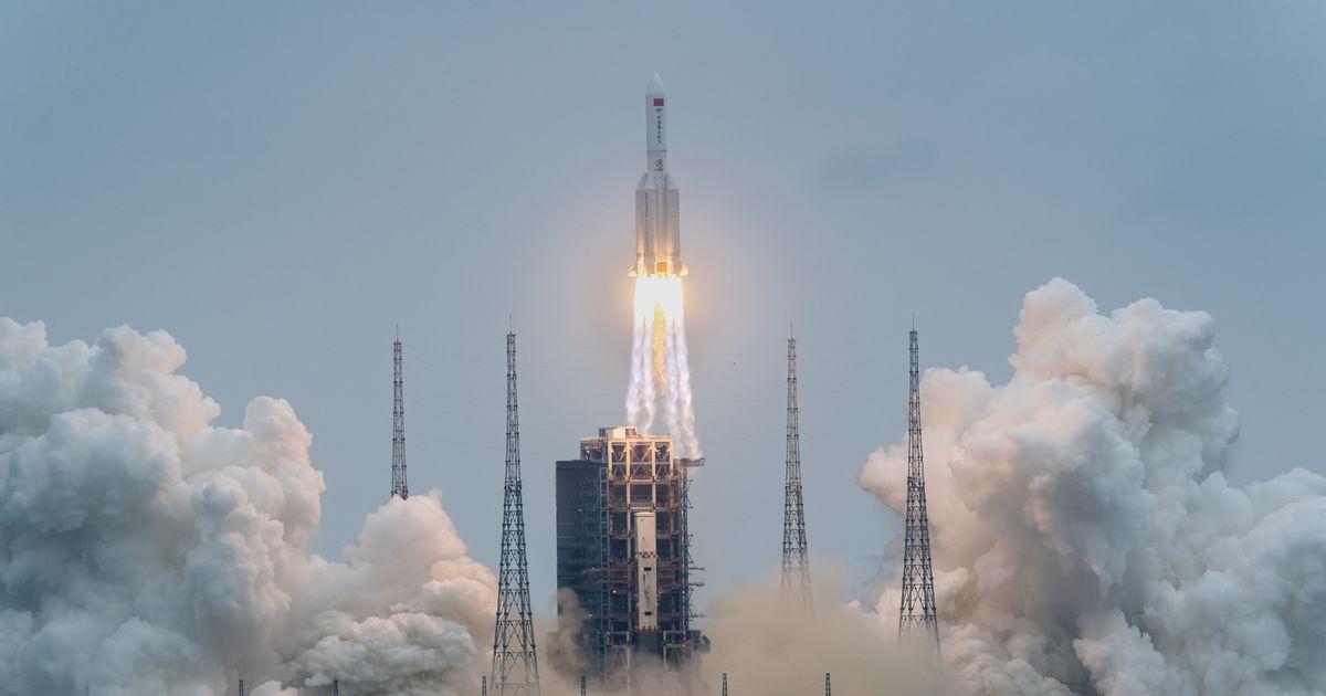China's 'uncontrolled' descent of 20-tonne rocket 'risks hitting US'