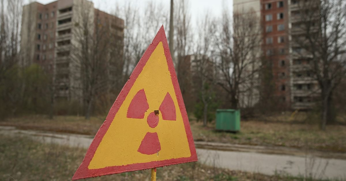 Fears Chernobyl could blow again as nuclear surge detected inside sealed chamber