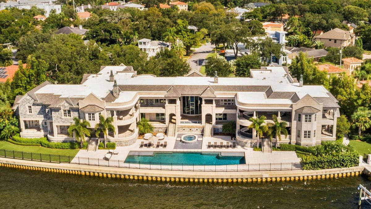 Derek Jeter Sells Tampa Mansion He Rented to Tom Brady for $22.5 Million!