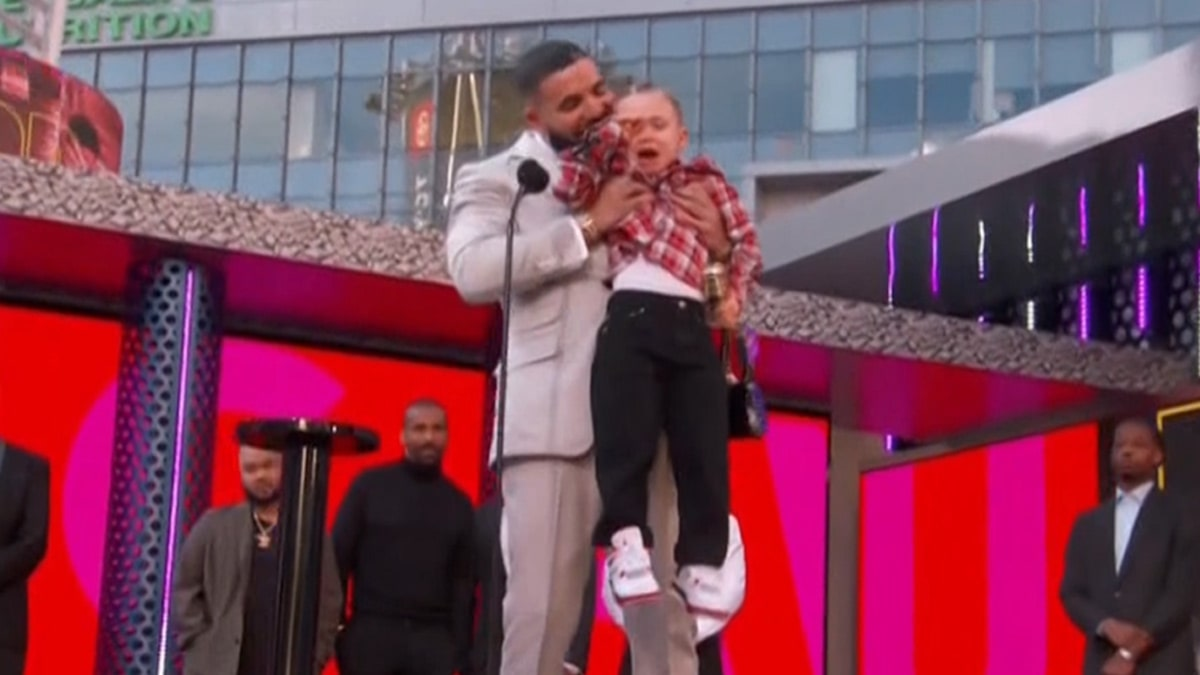 Drake's Son Bursts into Tears on Stage as Dad Accepts Artist of the Decade Award