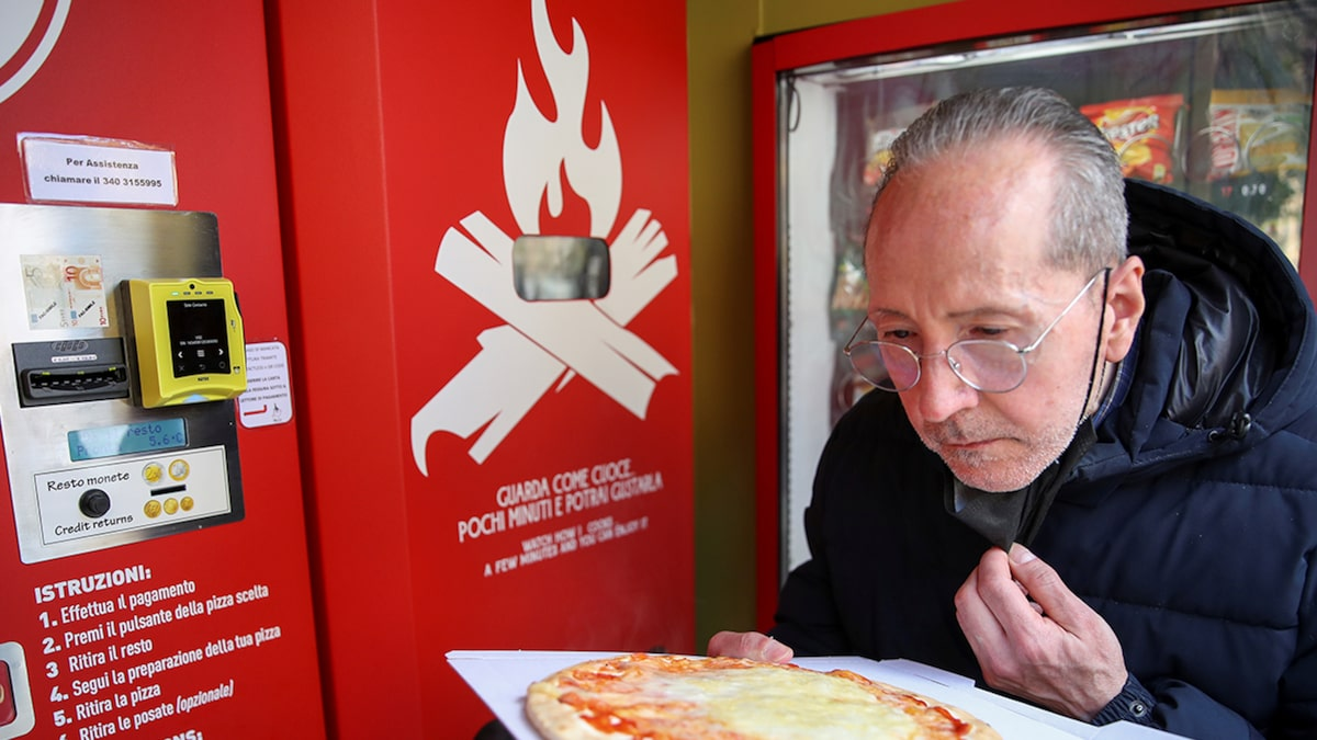 Pizza Vending Machine Rolls Out in Rome, Some Italians Offended