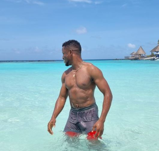 Twitter Users React As Singer, Chike Shares Wet Swim Trunk Photo