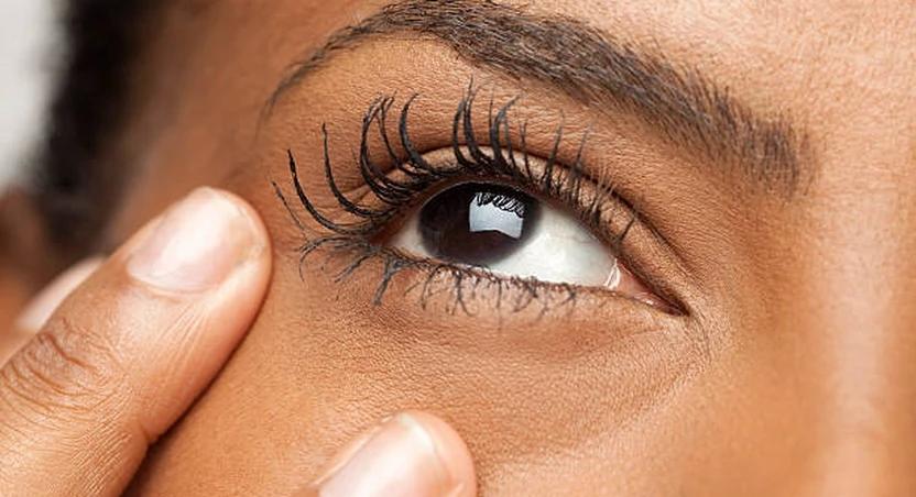 5 natural ways to grow long eyelashes
