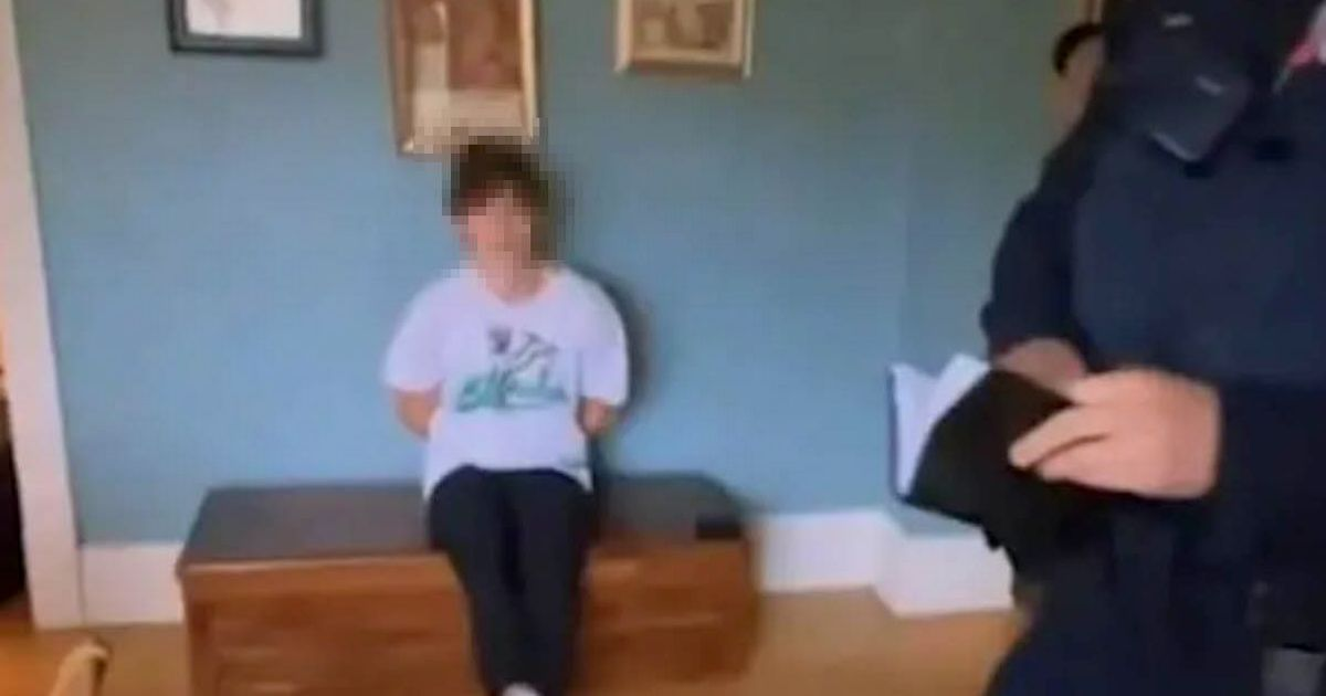Drunk teen who broke into Airbnb and passed out wakes up to find out police renting it