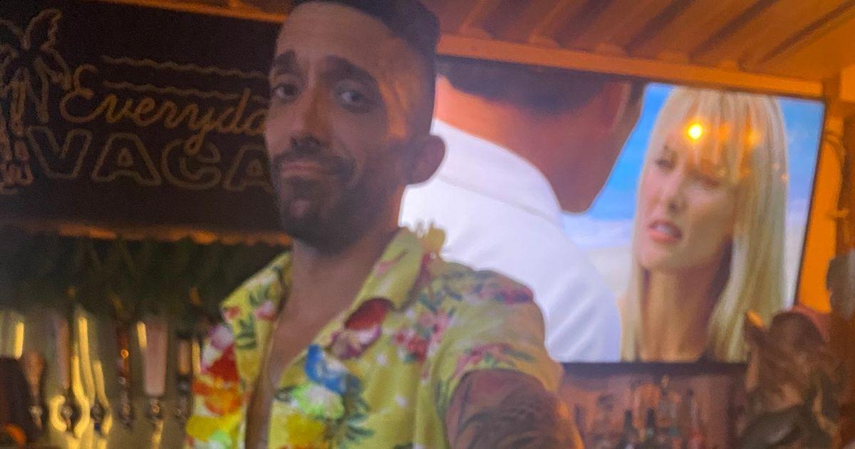 Hero bartender uses fake receipt to stop 'aggressive creep' harassing women