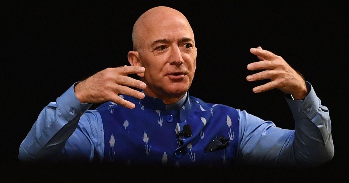 Amazon billionaire Jeff Bezos urged to 'buy Mona Lisa and eat it' in bizarre petition