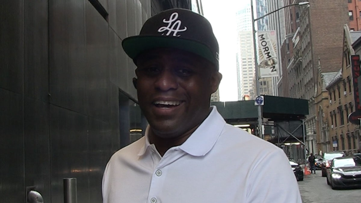 Wayne Brady Rooting for Alex Trebek to Win Emmy for Game Show Host