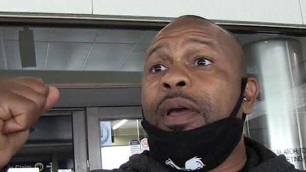 Roy Jones Says Logan Paul Has ZERO Chance to Beat Floyd Mayweather, 'Are You Serious?'