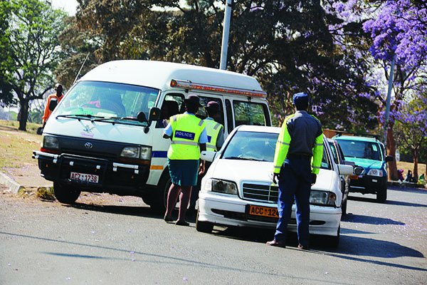 Daring Conwoman Impersonating A Female Cop Busted For Collecting Bribes From Pirate Kombi Crews
