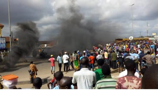 Angry Youths Allegedly Attack Fulani Herdsmen, Destroy Police Station In Kwara