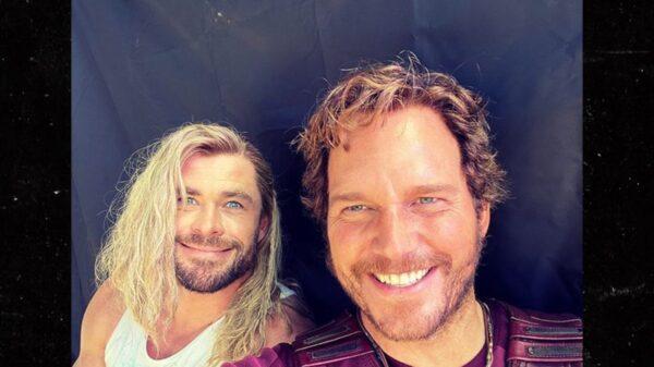 Chris Hemsworth Trolls Chris Evans on His 40th Birthday