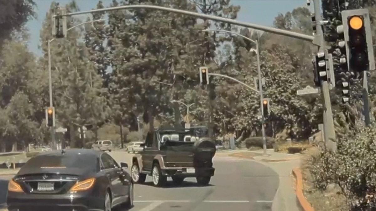 Travis Scott Runs Red Light, Blows Through Stop Sign in Apparent Emergency
