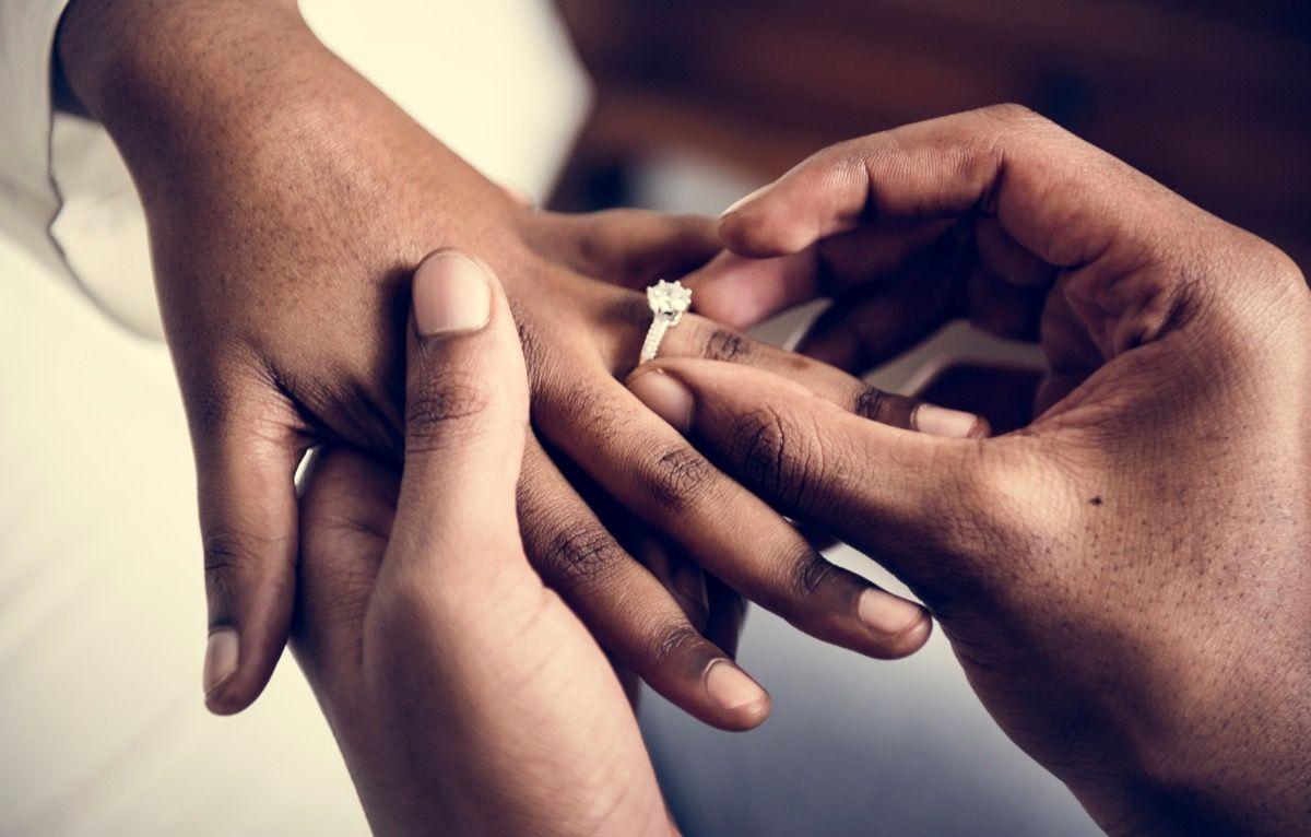 Bride Dies Of Heart Heart At Own Wedding, Sister Marries Groom On Same Day