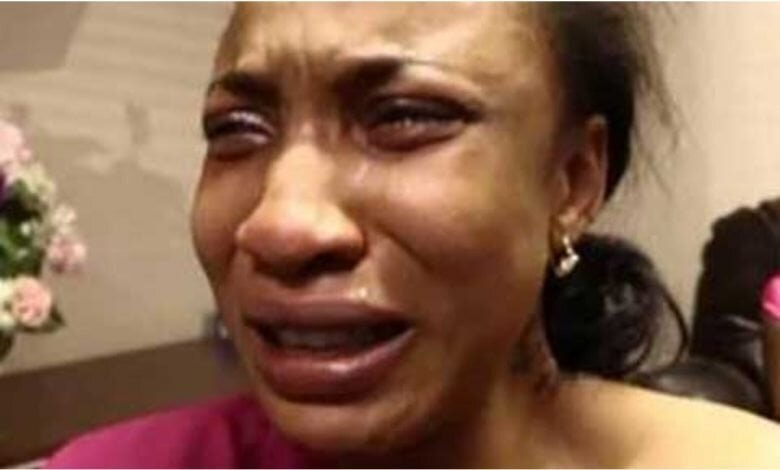 Few Hours After Resuming Nollywood, Tonto Dikeh Cries Out Of Frustration, Says Lost Interest In Acting