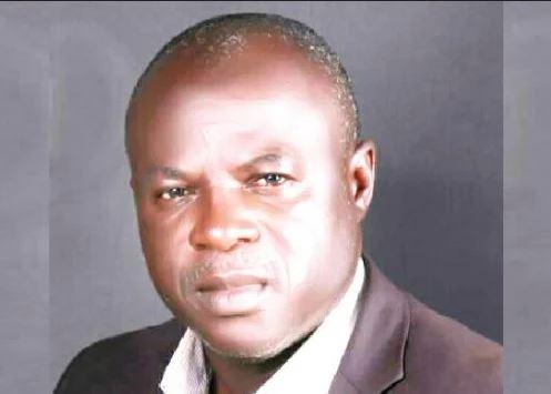 Drama As Plain-Clothed Policemen Disrupt Seedling Distribution, Arrest Ayade's Aide