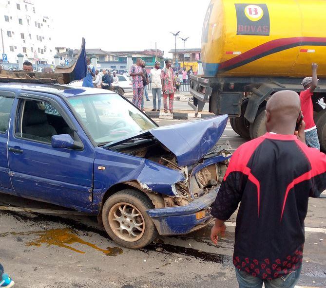 Tanker Crushes Six Cars In Ibadan (Photos)