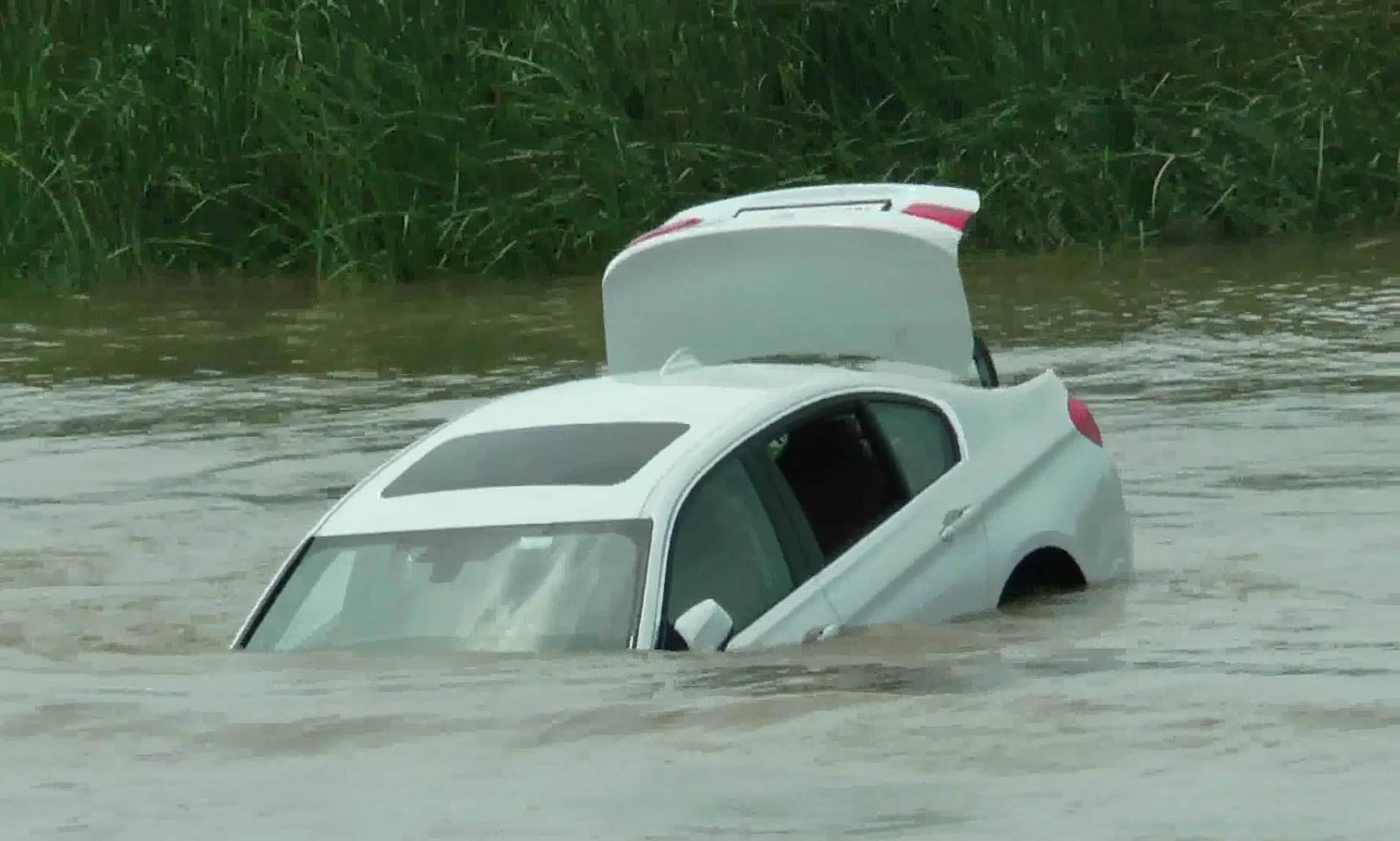 Oh No! Two Persons Die, Five Go Missing As Car Plunges Into Bauchi River