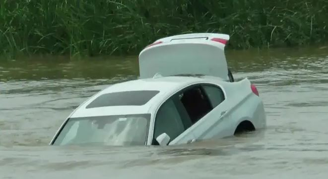 Oh No! Two Killed, Five Drown As Vehicle Plunges Into Bauchi River
