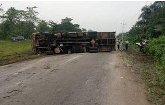 Three Escape Death As Trucks Lose Control In Osun