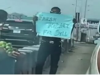 """Man Is Spotted In Lagos Traffic With """"Fresh Kidney For Sale"""""""